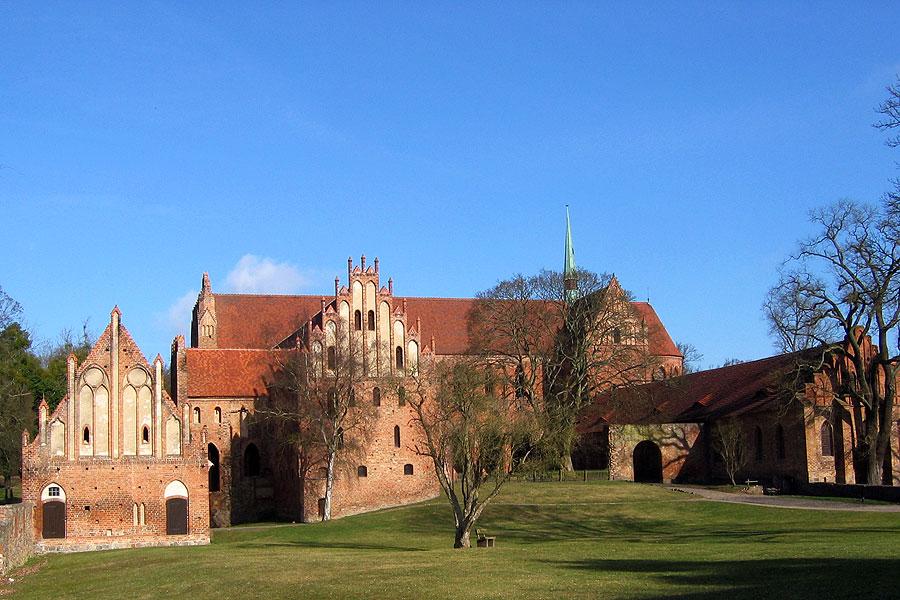 Ausstellungsmobiliar, Kloster Chorin, Studio Hartensteiner, Designbüro Leipzig